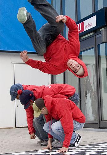 Breakdancers.jpg